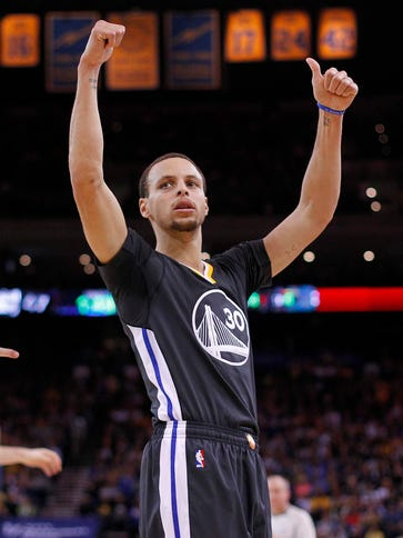 Stephen Curry scored a game-high 25 points for the