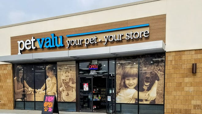 The new Pet Valu, located at  1052 Sagamore Pkwy W, West Lafayette, IN.