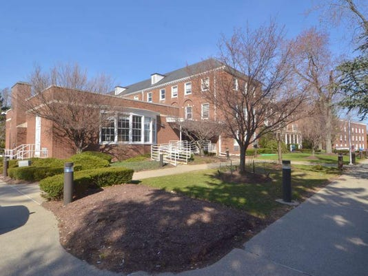 071415-gr-nursingschool.jpg