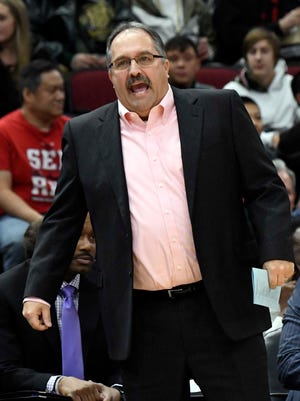 Pistons coach Stan Van Gundy reacts to a play during the 107-105 loss to the Bulls on Saturday, Jan. 13, 2018, in Chicago.