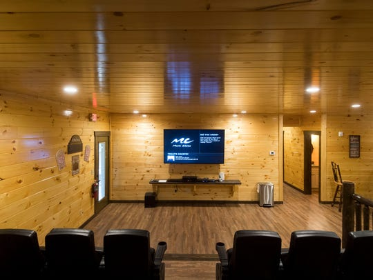 Cherokee Orchard's Big Oak Lodge theater room.
