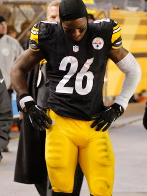AFC rushing champ Le'Veon Bell left Sunday night's game in Pittsburgh with a knee injury.