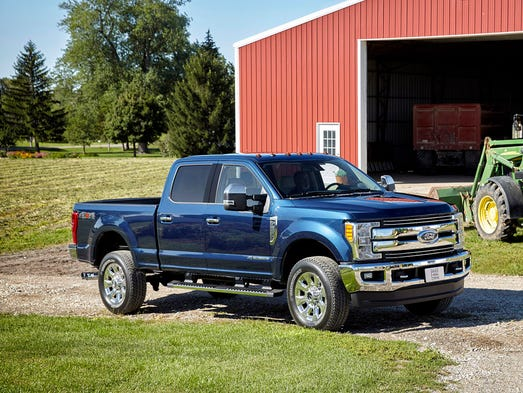 Ford Introduces Aluminum 2017 Super Duty Pickup