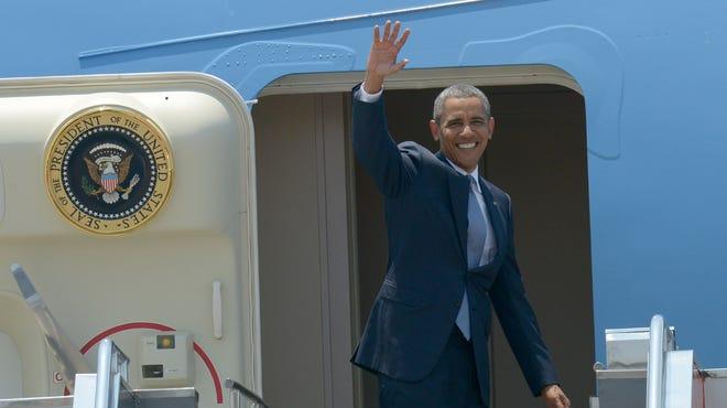 President Obama departs Manila, Philippines.