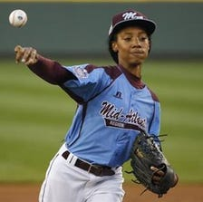 Mo'Ne Davis, the darling of the sports world with her amazing success and poise, was both masterful and ordinary on a night made short because of pitch-count rules.