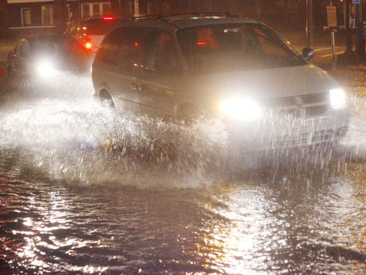 636183554831655902-NIGHT-ROAD-FLOODING-STOCK.jpg