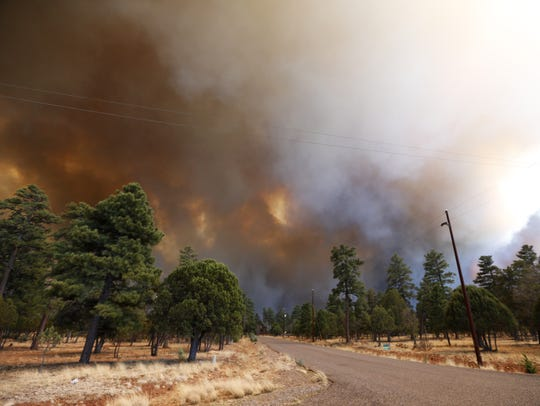 The Tinder Fire burns on the Mogollon Rim in the Coconino