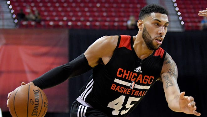 Jul 10, 2016; Las Vegas, NV, USA; Chicago Bulls guard Denzel Valentine drives with the ball during an NBA Summer League game against the Philadelphia 76ers at Thomas & Mack Center.