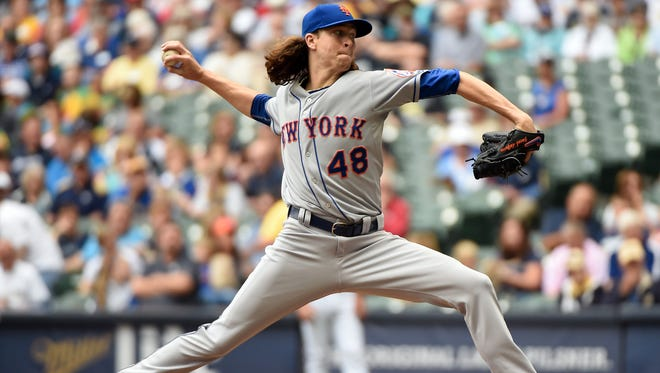 New York Mets pitcher Jacob deGrom (48) pitches in the first inning against the Milwaukee Brewers at Miller Park.