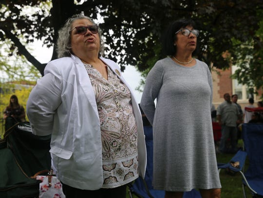 Gladys Vargas, 64, of West Palm Beach, Florida (right),
