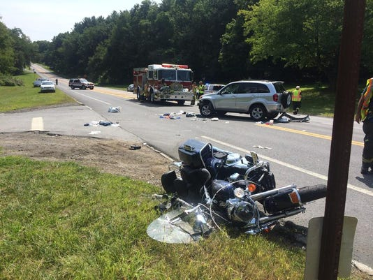 Motorcycle and SUV crash in Mohegan