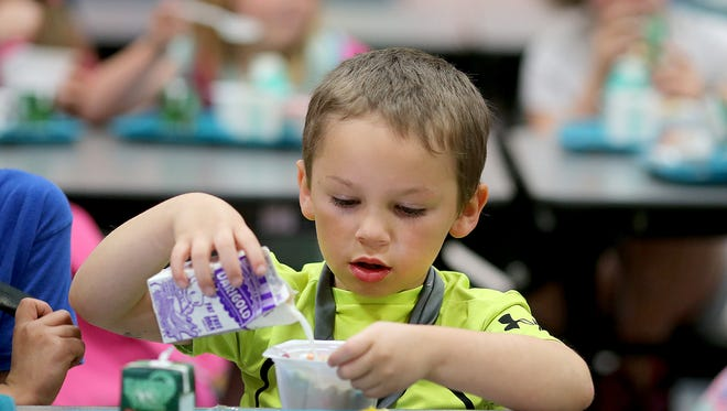 Wisconsin saw a slight decrease in the number of students who received breakfast at school through a federally subsidized nutrition program last year.