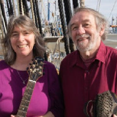 Folk musicians at historic setting: Duo performs at Bay View site