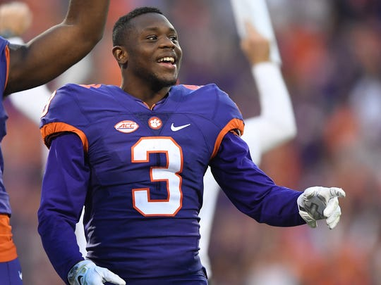 Clemson wide receiver Artavis Scott (3), pictured during Clemson's Nov. 5, 2016 game at Syracuse, is a projected late-round NFL draft pick.