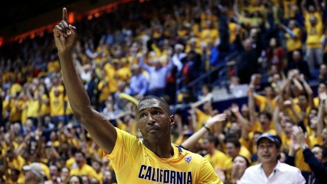 California's Jordan Mathews celebrates the 74-73 defeat of Arizona at the end of an NCAA college basketball game Saturday, Jan. 23, 2016, in Berkeley, Calif.