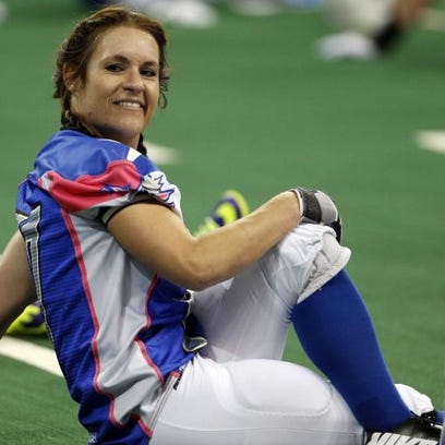 Texas Revolution's Jennifer Welter warms up for the
