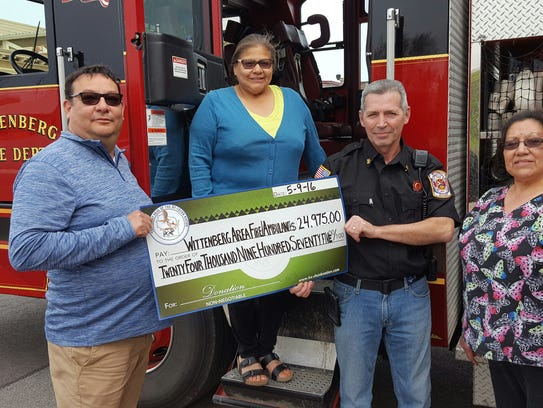 Pictured at the Wittenberg check presentation are Darren