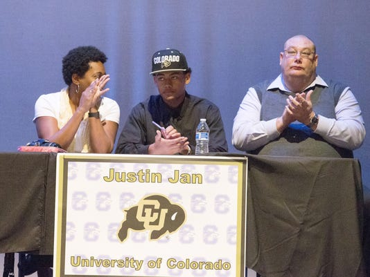 PNI hs signing day 0205