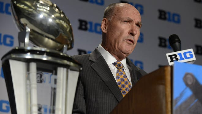 Big Ten commissioner Jim Delany speaks to the media in 2015.