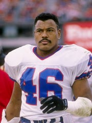Leonard Smith was an All-American cornerback at McNeese State who played in two Super Bowls with the Buffalo Bills. He will be inducted into the Louisiana Sports Hall of Fame next summer.