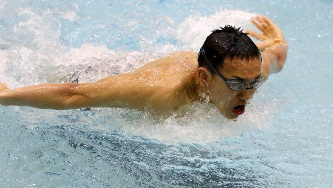 Horseheads junior Shoonhsin Li will compete in three events at the state championship meet.