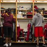 Arizona Cardinals clean out lockers to end 2014 season