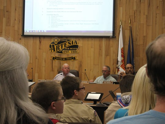 The Artesia City Council discusses city business, Oct. 24 at Artesia City Hall.