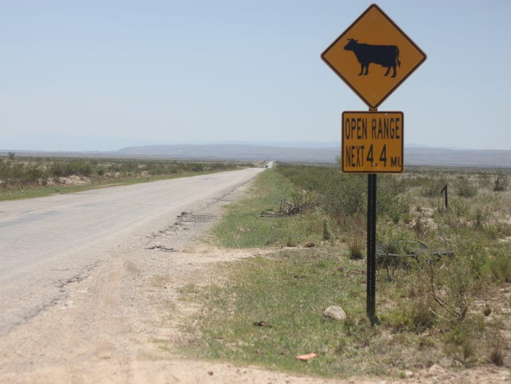 A sign marks the beginning of open range land at Craig