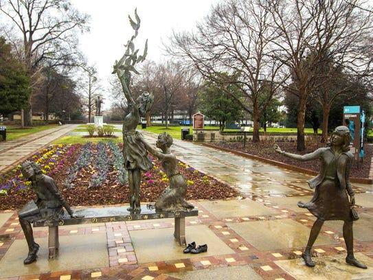 This photo of Elizabeth MacQueen's Four Spirits sculpture