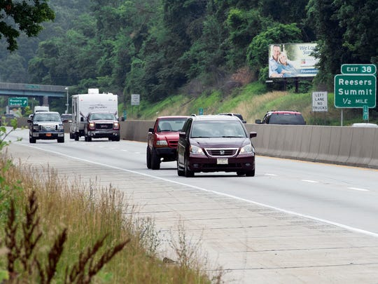Northbound traffic on Interstate 83 in front of Bryce