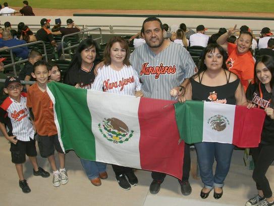Las familias Félix Coronado y Félix Varela orgullosos