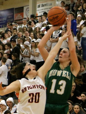 Howell's Rachel Nelson had a team-high 11 points and hit the game-winning shot at the buzzer in a 29-28 win over Lakeland.