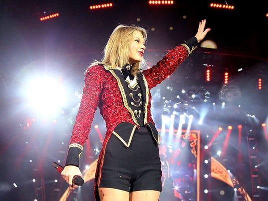 635936516468318168-rs-560x415-131214092429-1024.Taylor-Swift-Last-Concert-Australia.jl.121413-copy.jpg