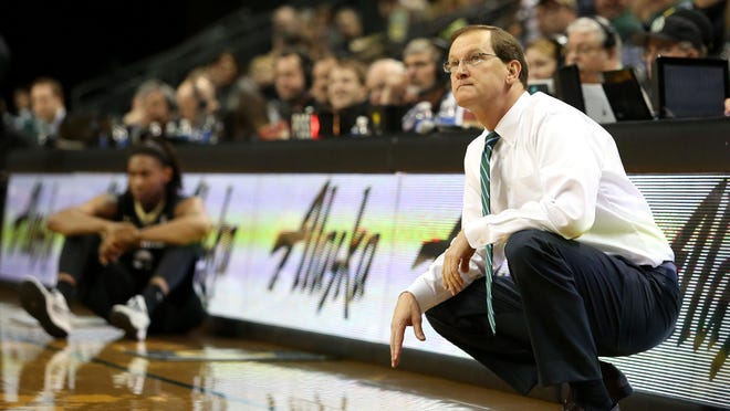 Oregon head Coach Dana Altman watches the game on Wednesday, Feb. 18 , 2015, in Eugene, Ore.