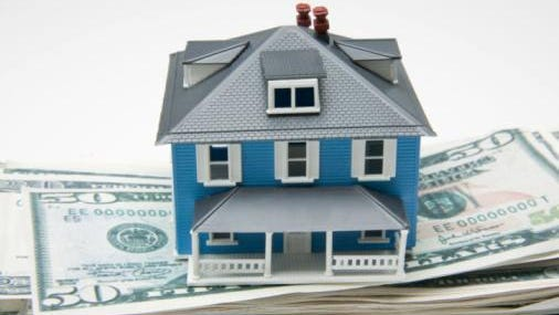 While most homeowners are familiar with the term refinancing, not many have heard of recasting.