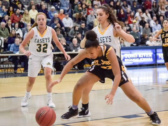 Sajada Bonner (23) of SJV goes after a loose ball in