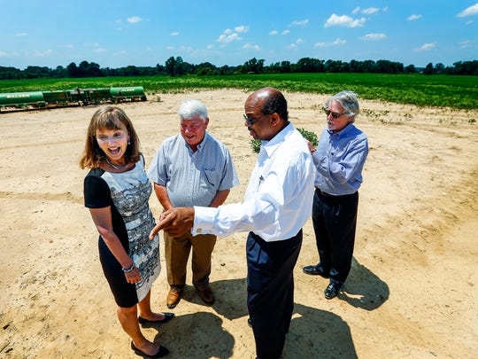 House Speaker Beth Harwell, (left) who is running for governor chats with (left to right) State Representative 73rd Legislative District Jimmy Eldridge, Brownsville Mayor William Rawr, Jr., and Haywood County Mayor Franklin Smith at the future site of the Memphis Regional Megasite in West Tennessee.