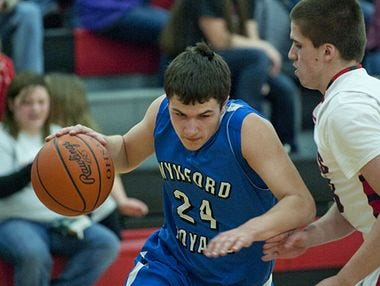 Alex Crall returns as the top shooter for the Royals in 2015-16
