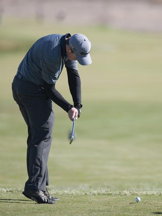 BUR 0428 golf_1