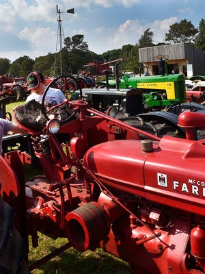 A viAntique Tractor Pull and Auction will be held on Saturday, April 28 at Badgerland Park, N1086 County Road L, Watertown with proceeds to benefit the opioid crisis.