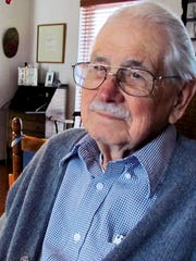 El Paso author Elroy Bode died Sunday at his home in
