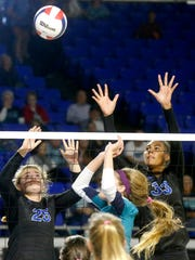 Brentwood's Analeigh Wingo (25) and Logan Eggleston