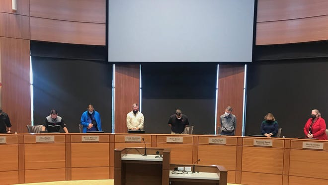 Melissa Council Member  Chad Taylor delivers the invocation before the Sept. 22 city council  meeting.