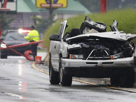 636031613925372106-5-Speedway-Crash.JPG