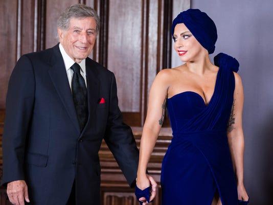 Lady Gaga-Tony Bennett-Vegas-GRC8O5H06.1.jpg
