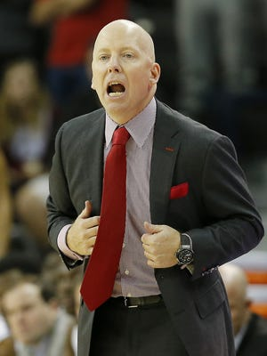 Cincinnati Bearcats basketball coach Mick Cronin on his team's two-game losing streak: 'You've got to focus on your team and block everything out. Just keep trying to get better.'