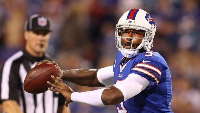 Buffalo Bills QB EJ Manuel injurd his knee against the Viking Friday and will miss the rest of the regular season.