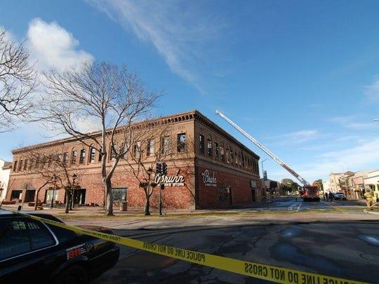 El edificio Dick Bruhn después del incendio.