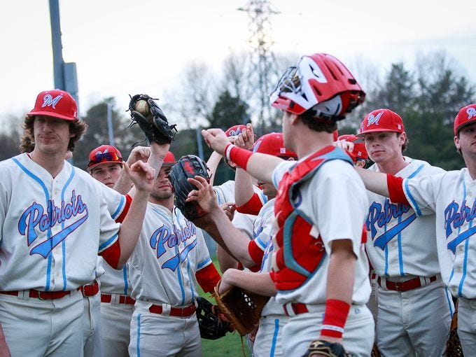 J.L. Mann's baseball team clinched the Region 2-AAAA championship Saturday with a 12-3 victory over Byrnes. It's the Patriots' first region title in baseball in AAAA.