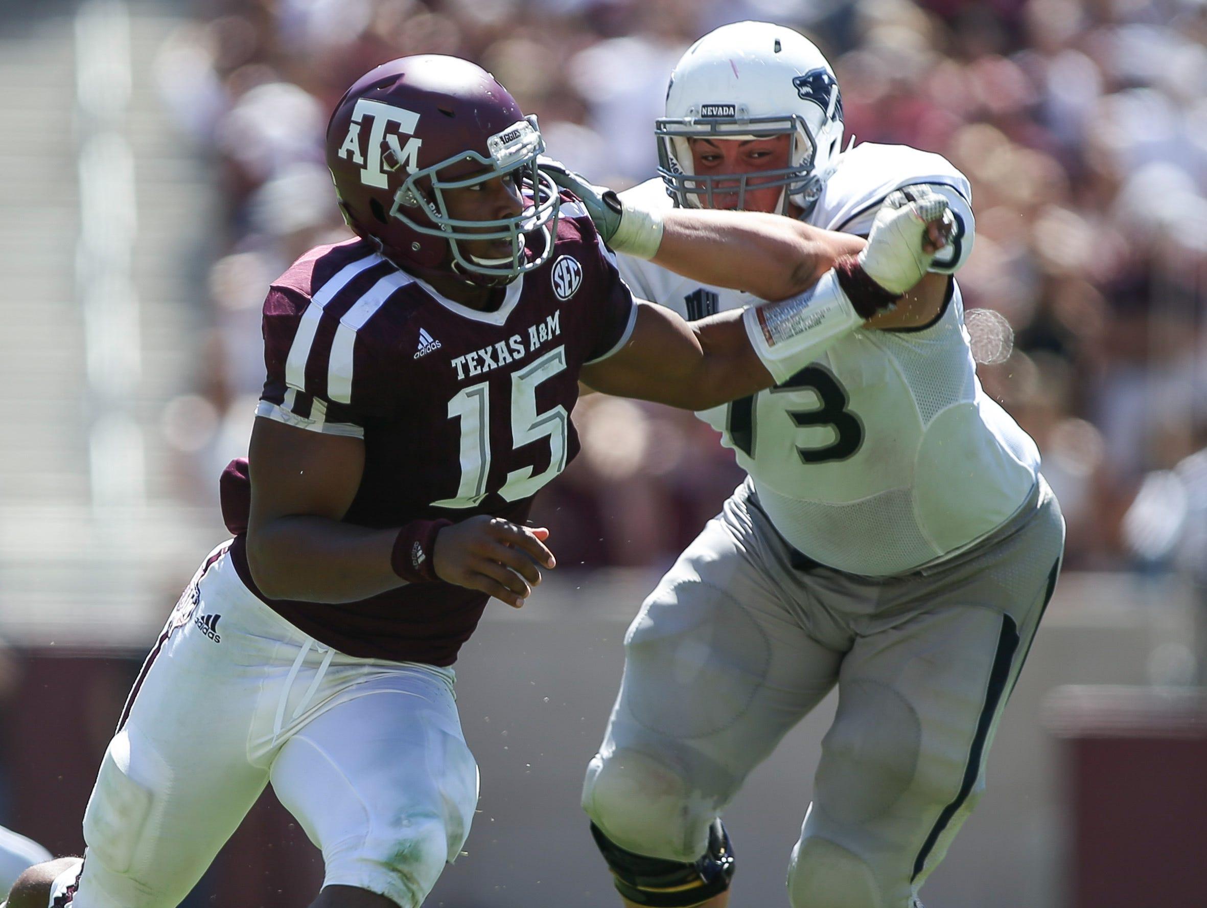 Texas A&M's Myles Garrett (15) leads the SEC in sacks.